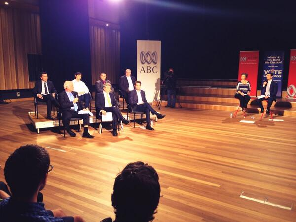 First topic: the economy. #qldspeaks http://twitter.com/reblev/status/373011701370589184/photo/1