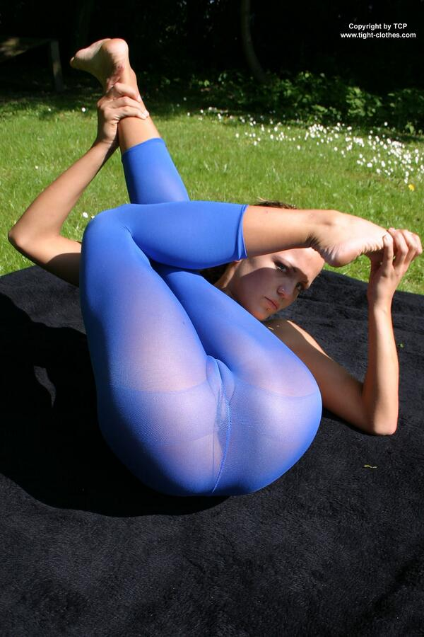 Nude In Leggings 91