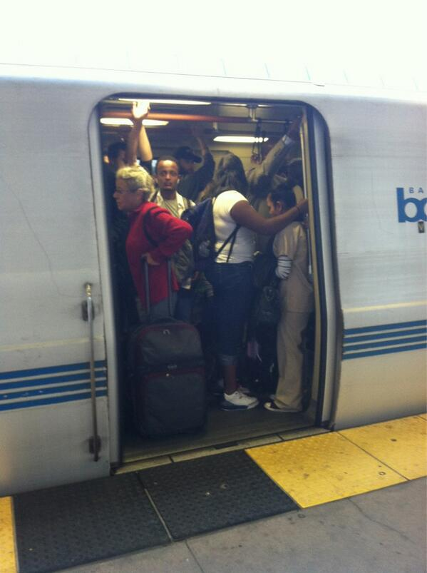 :-( RT @KatieABC7: This #BART train is leaving West Oakland. Yikes!  #BayBridge http://twitter.com/KatieABC7/status/373088074969804800/photo/1
