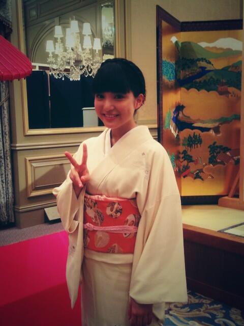 すてきな着物きさせていただきました♪嬉しい♪ 来週もお楽しみに~ #umika #9nine http://t.co/Kc0rRH8xPO