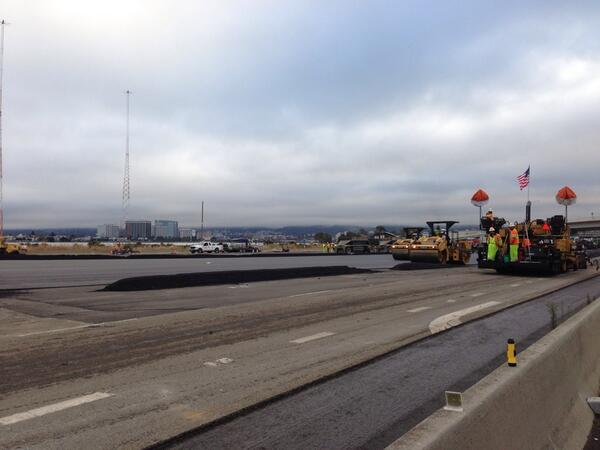 A live shot of the construction at the toll plaza of the #BayBridge. Crews repaving roadways from W Grand to bridge! http://twitter.com/CHPoakland/status/373095180938645505/photo/1