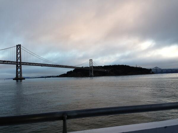 Best commute: Alameda Ferry was the way to go from the East Bay to SF this AM-short lines, great views @BayBridgeInfo http://twitter.com/CyrusKQED/status/373098878104395777/photo/1
