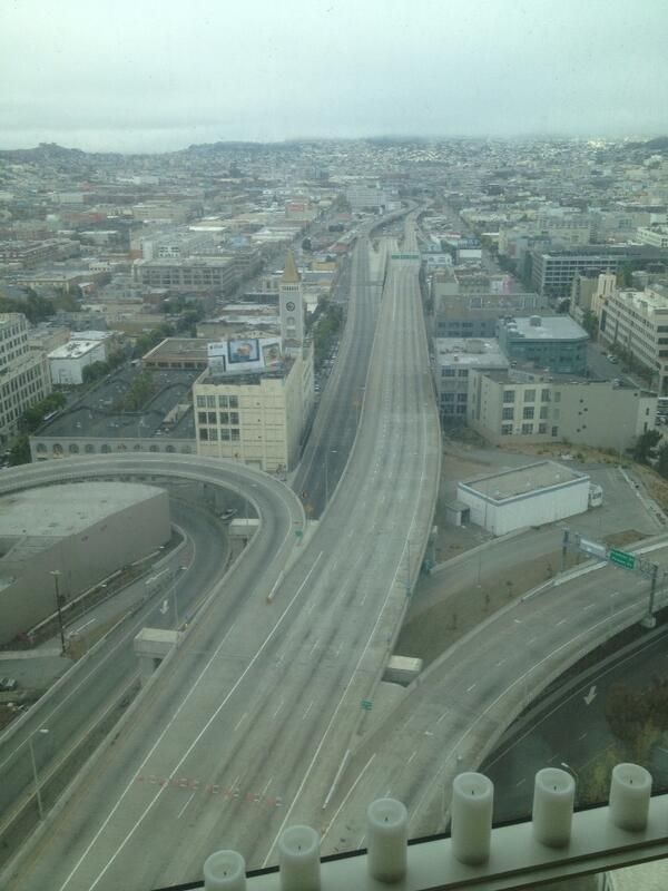 With Bay Bridge closed, SOMA has spooky apocalyptic feel. http://twitter.com/Pv/status/373111051769761792/photo/1