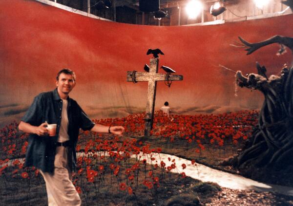 """Anton Corbijn on the Nirvana """"Heart Shaped Box"""" video shoot, fall 1993. #Nirvana #InUtero20: http://t.co/ycfcleni9Z http://t.co/AOgJd8iLgH"""