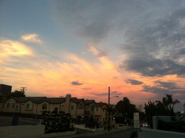 Good night LA #sunset #mydayinLA http://t.co/1pqIUFCsTm