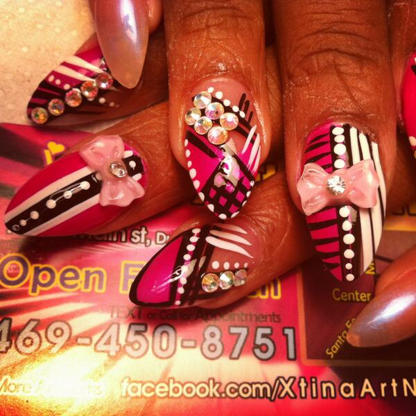 @Beyonce plz follow &give me a chance to be your #nails artist. Im gonna fly from Texas to u sis. http://t.co/ONBbDjn4V9