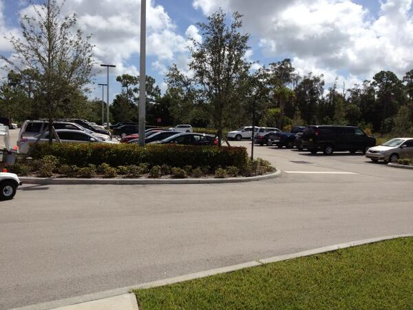 Still some parking for #IndianRiverLagoon hearing, but not much. Additional parking east of Kane Center. http://twitter.com/TCPalmEPfahler/status/370566931461328897/photo/1