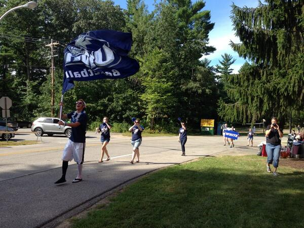 Happy move in day #UNH17!!! http://twitter.com/UNHreshalls/status/370908820413087744/photo/1