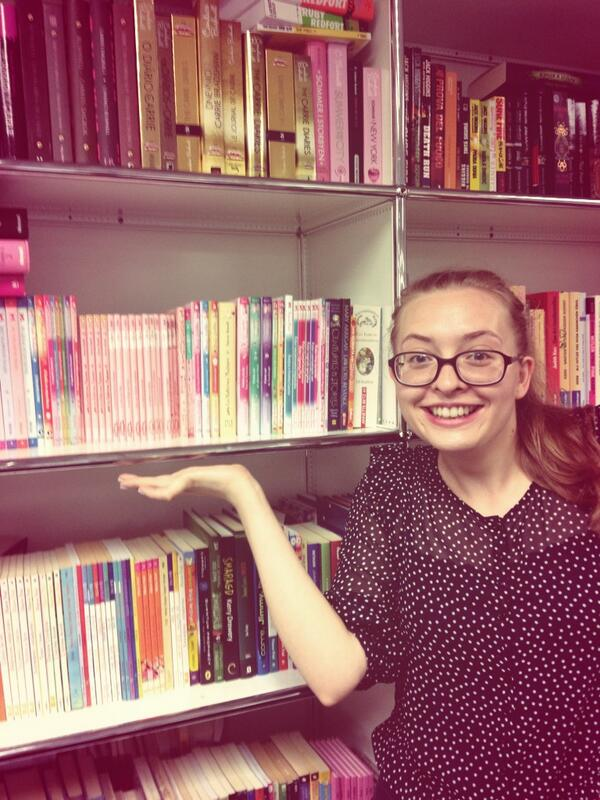 The adorable @StevieHopwood from @HarperCollinsCh #bookshelfie http://twitter.com/HCIndyThinking/status/370879740410081280/photo/1