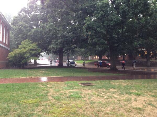 Very heavy rain has returned putting a stop to move-in activities #UVAmovein http://twitter.com/CavDailyPhoto/status/370968080685740033/photo/1