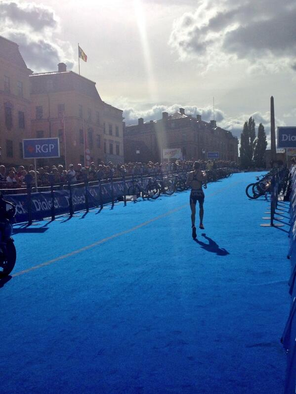 Running into the sun and a likely victory @worldtriathlon #WTSStockholm @gwenjorgensen #poetry @NonStanford 26 back http://twitter.com/KrisGemmell_/status/371258438883749888/photo/1
