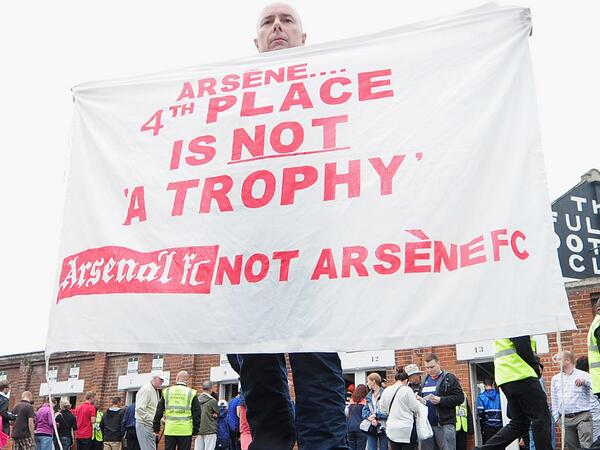 The Tweets: Arsenal fans fast losing patience with Arsene Wenger as Spurs sign Erik Lamela