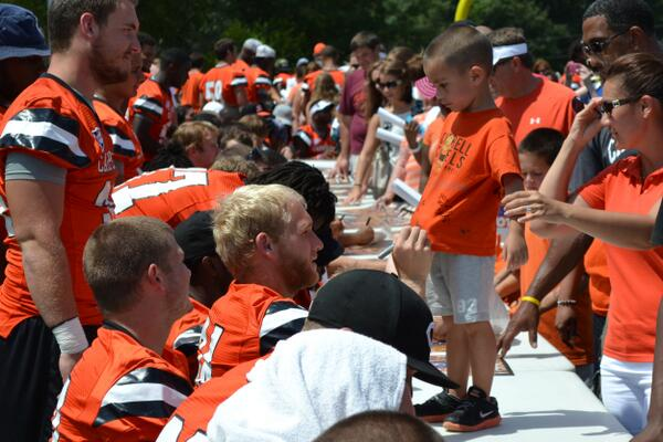 Another one of our favorites from today's Fan Fest #goCamels http://twitter.com/GoCamelsFB/status/371365692915712001/photo/1