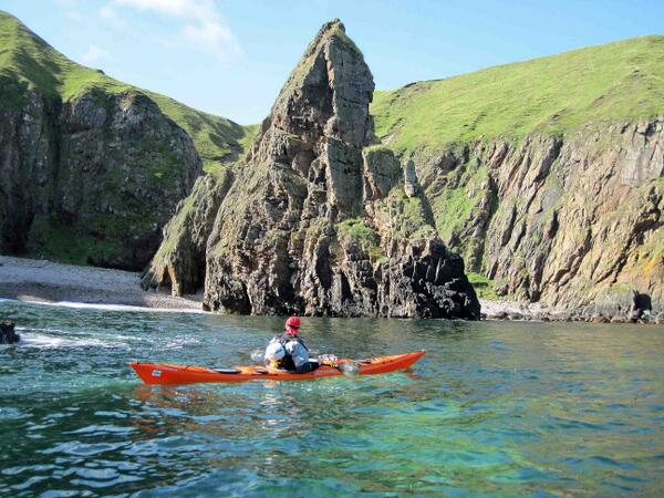 North Coast near Melvich. Cliffs, caves, arches and stacks - sea kayaking is the best way to see these. #venturenorth http://t.co/wFi86B4YpA