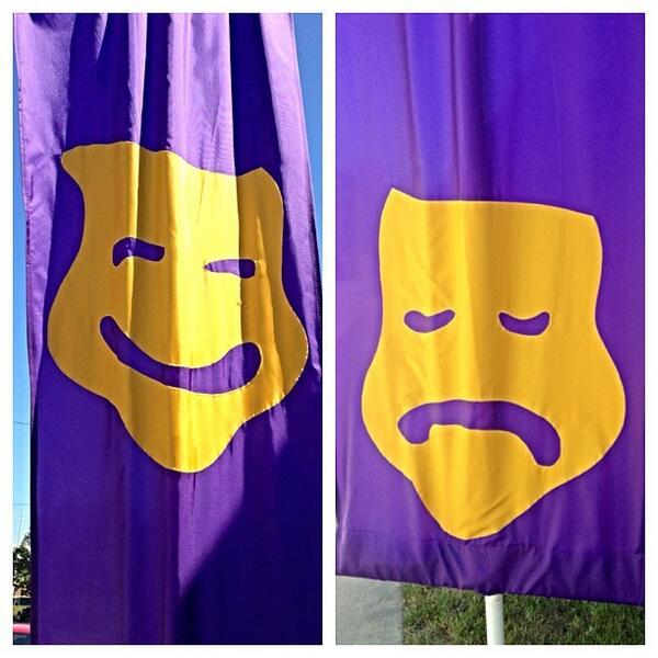 Comedy/tragedy mask flags outside Babeca Theater #fringe13 http://twitter.com/lediamedia/status/371818870178611200/photo/1