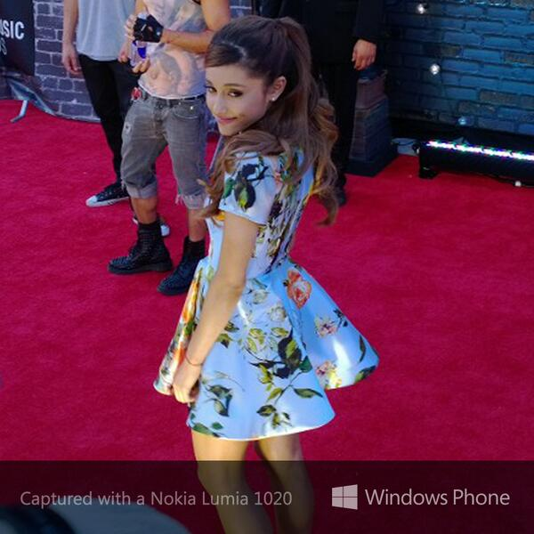 Flower girl #reinvented. #Arianators, let's hear it for the @MTV #VMAs: http://twitter.com/windowsphone/status/371808083796058112/photo/1