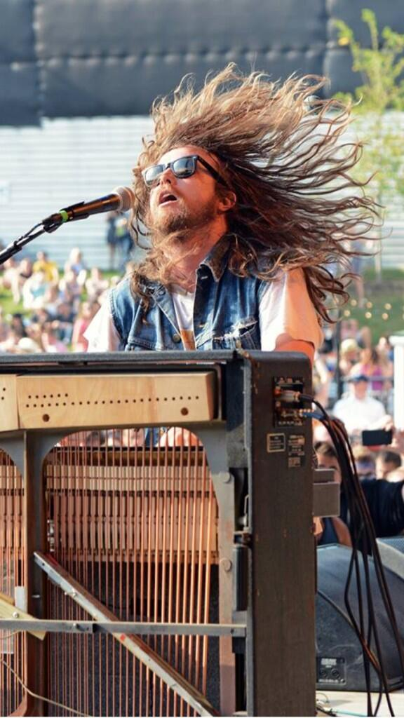 @JRoddyBusiness giving all of Columbus the business at #cd1025summerfest yesterday. #goodgollymissmolly http://t.co/tBPBeUg8Wu