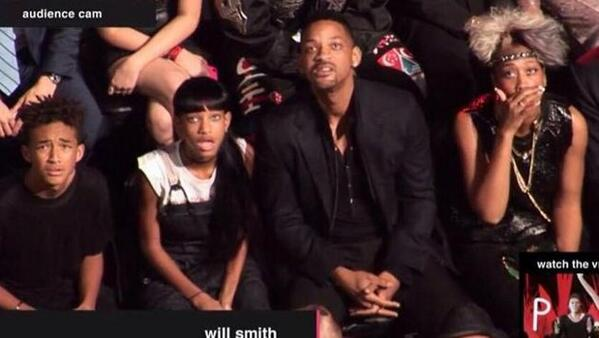 Looks like Will Smith & Fam will need that Men in Black mind-eraser after watching Miley Cyrus last night. LOL http://t.co/Gk1rapDH95
