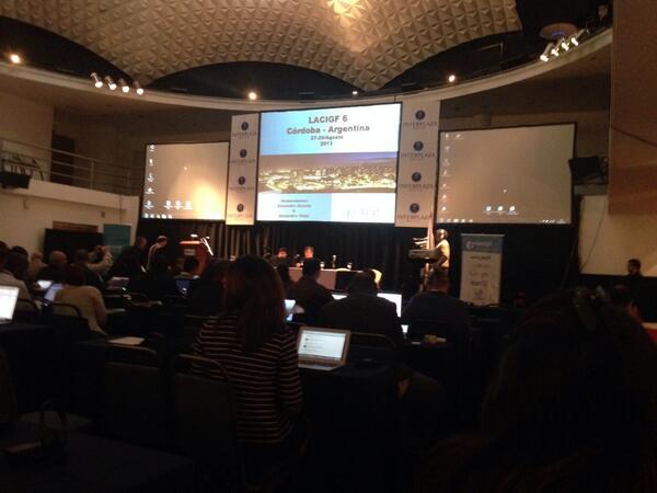 Alejandro Acosta moderando el primer panel de #lacigf6 - acceso y diversidad http://twitter.com/andresAzp/status/372340924564512768/photo/1