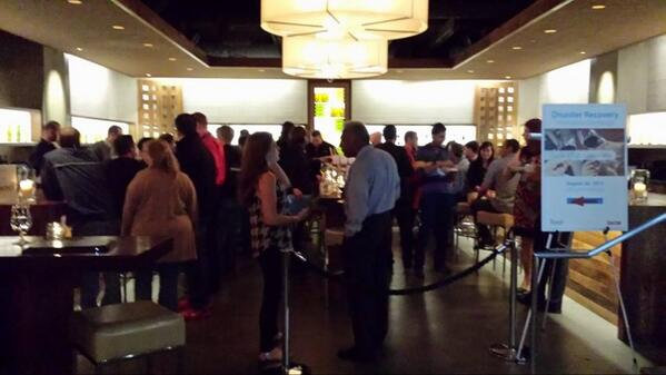Thank you to everyone who came to our #DR & wine tasting event with @ZertoCorp! #VMworld http://twitter.com/ilandcloud/status/372455110208520192/photo/1
