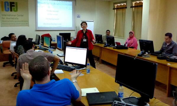 "@ICFJ #ICFJmideast trainer @MagdaAbuFadil & journos parse the distinction between ""off the record"" & ""on background"" http://twitter.com/danlynx/status/372725142087925760/photo/1"