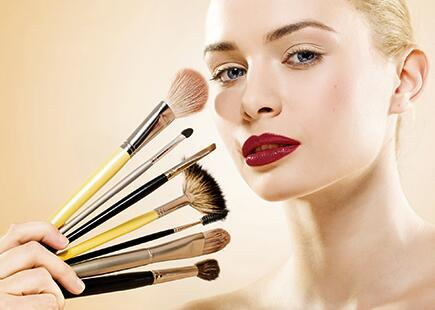 как наносить основу светоотражающую под макияж