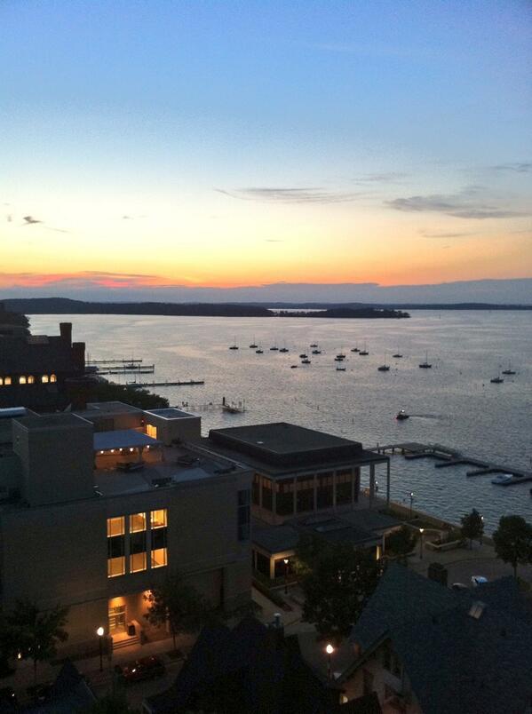 Loving the view overlooking the terrace tonight @UWMadison #sogoodtobeback pic.twitter.com/uHv37SBfrR