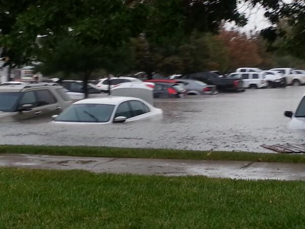 Aurora Colorado flood by my work I70 & havanna hotel parking lot http://twitter.com/krystalluvsdrew/status/378196163369111552/photo/1