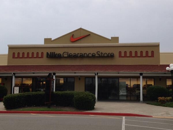 cheapest nike store
