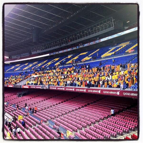 Pictures: Catalan Way, 400 km-long human chain in support of Catalan independence, at Camp Nou http://twitter.com/DavidIbanez5/status/377811007214997505/photo/1 http://twitter.com/SarmientoSandra/status/377815015556128770/photo/1