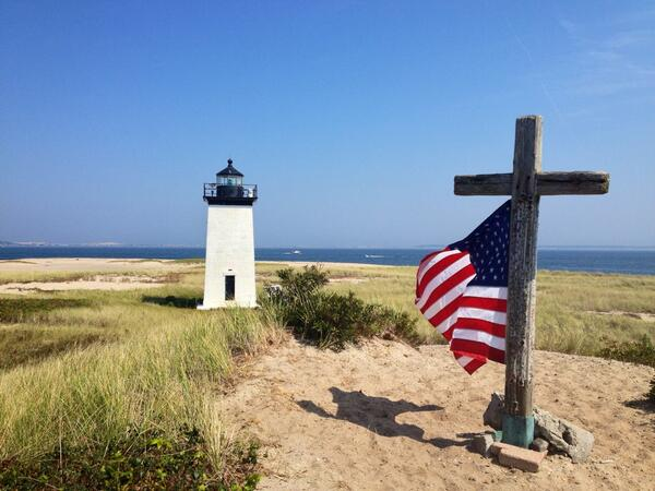 A fitting scene at Long Point Light, Provincetown, Ma. #Honor911 http://twitter.com/ChrisSetterlund/status/377827916505432065/photo/1