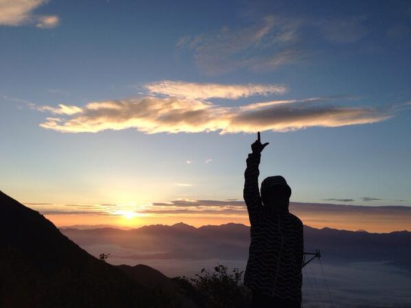 中央アルプス駒ケ岳の御来光だゼーット!今日は良く晴れてラッキーです。
