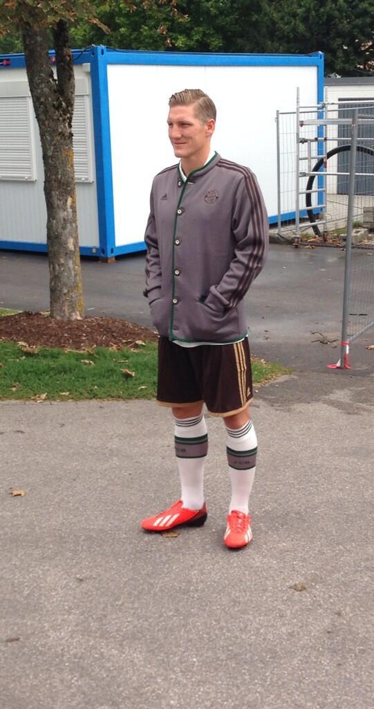 [31] [Mittelfeld] Bastian #Schweinsteiger - Page 28 BTEKqGjIYAAv_pA
