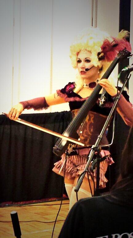 Some serious cello with @unwoman at #DragonCon http://t.co/XiDnvSaY6A