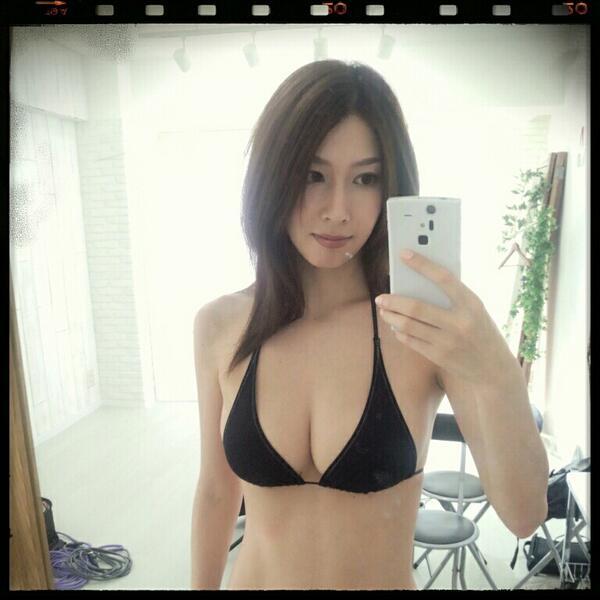 小林恵美さんの自撮り
