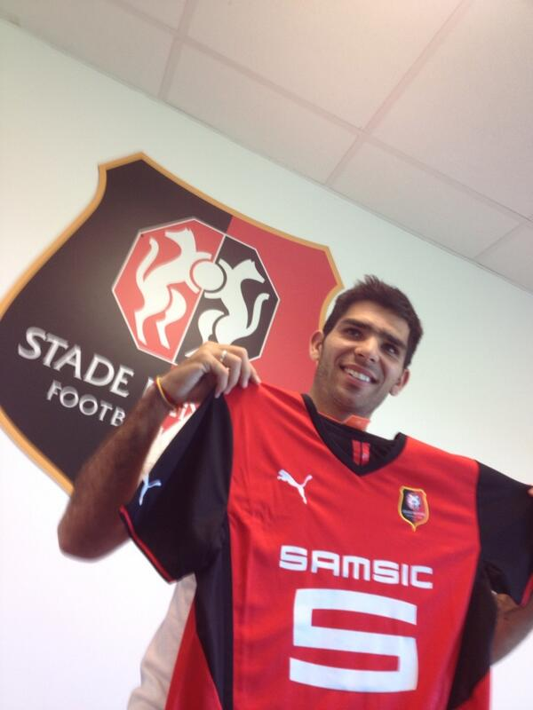 [Mercato officiel 2013/2014] en Images (pas de commentaires) BTKWWqfCMAA2I3P