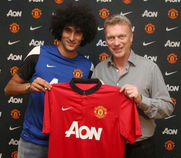 Fellaini holds a Man United shirt, gives his 1st interview after late Everton move [Pics & Video]