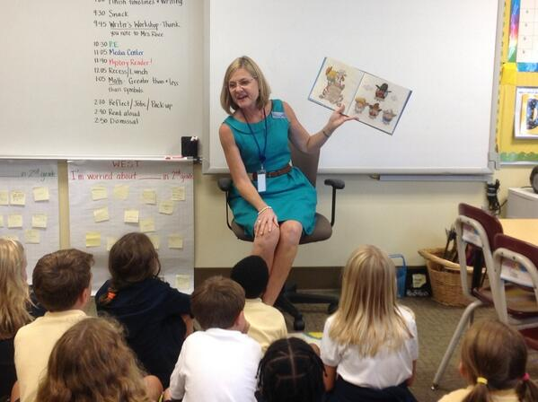 Who's the Mystery Reader today? Why, it's UED coordinator @fastwalker10! Texas accent & all! #TrinityLearns http://twitter.com/SecondSteinberg/status/374922972286308353/photo/1