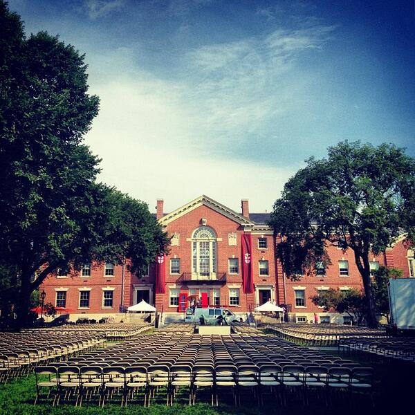 The stage is set for the 250th Opening Convocation #Brown2017 #BrownUniversity http://twitter.com/BrownUniversity/status/374901187067117568/photo/1