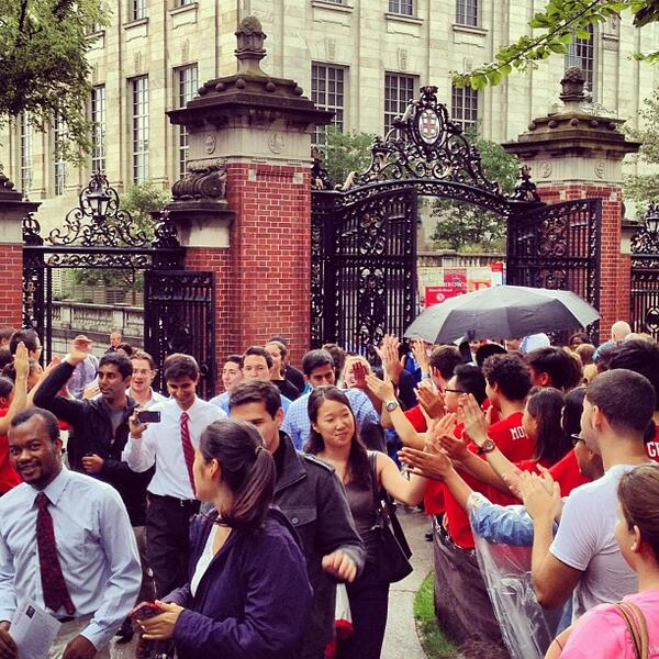 Welcome, Brown University Class of 2017! #GatesOpen #Brown2017 #BrownUniversity http://twitter.com/BrownUniversity/status/374997593601765376/photo/1