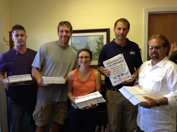 Ohioans deliver 600K petitions #giveusavote on #citizenship #timeisnow http://twitter.com/DawnJetLe/status/375268267499077632/photo/1