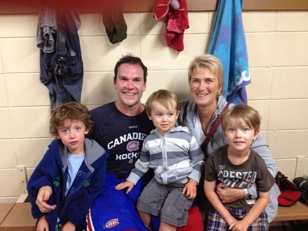 Merci @DavidDesha pour avoir pris du temps avec mes enfants. Bonne saison! #gentleman #roberval http://t.co/7vL1cLCBoK