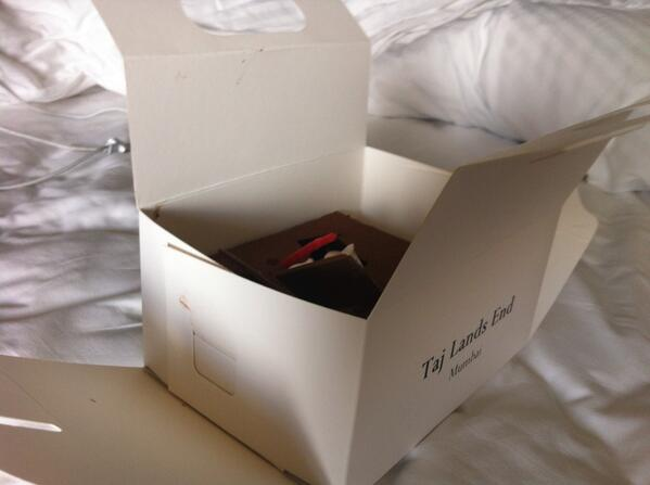 Swell Maria Vd Heijden On Twitter Just Got Birthday Cake Of Taj Lands Funny Birthday Cards Online Benoljebrpdamsfinfo