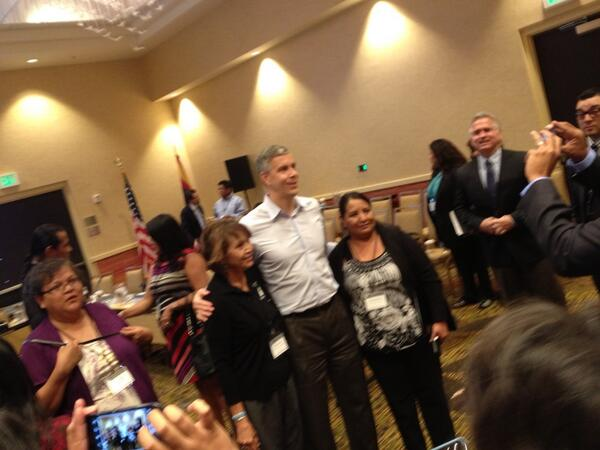 @arneduncan poses for photos with tribal education leaders #edtour13 http://twitter.com/MaryBethFaller/status/378246316934955008/photo/1