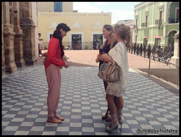 Даниэла Кастро / Daniela Castro - Страница 6 BTe8ww6CMAA5aJG