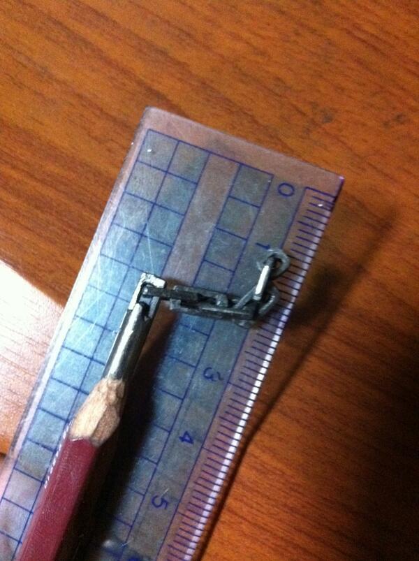 鉛筆の芯削ってこんなことできる数 #お前が日本で1万位以内に入ってそうなこと