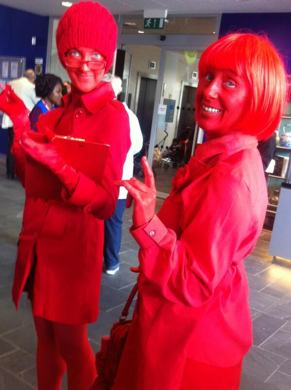 Come and join us for our RED PICNIC at 1pm Discovery Terrace - we dare you to wear something red #LoB2013 #bham4sq http://twitter.com/LibraryofBham/status/376669094545616896/photo/1