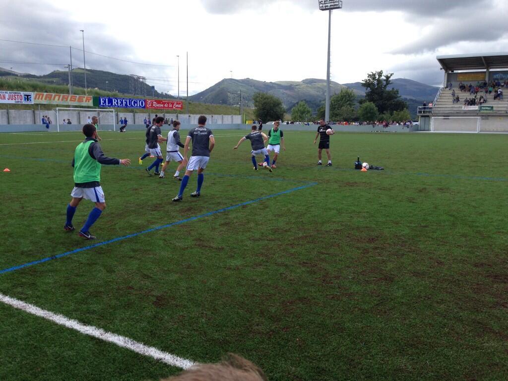 CD Tropezón - Real Oviedo en directo. Entrenamiento del equipo antes del partido.