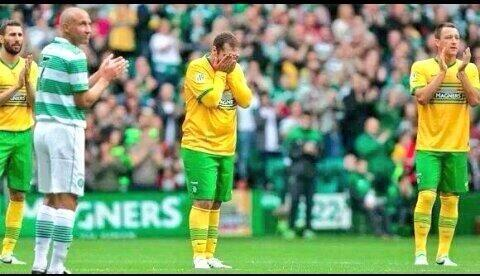 Incredibly emotional! Celtic fans pay tribute to Stiliyan Petrov   Youll Never Walk Alone