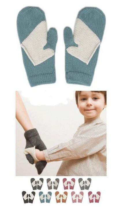 お母さんと手をつなげる素敵なデザインの手袋